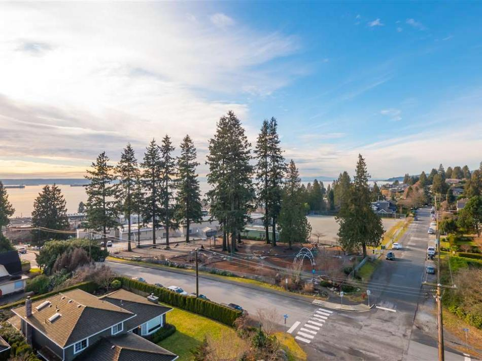 2391 Kings, Dundarave, West Vancouver 2
